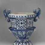 R_2-16_vrijetijd_O_Blauw & Bont (klein) Tuinvaas, Delfts aardewerk van De Grieksche A 1686-1690, coll. Paleis Het Loo. Foto Tom Haartsen