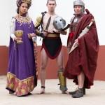 Archeon portret: een vrouw in Bijzantijnse kleding, een gladiator en een Romein.